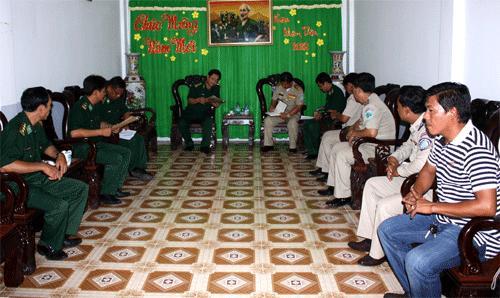 Cà Mau: Bàn giao 3 người Campuchia về đoàn tụ với gia đình