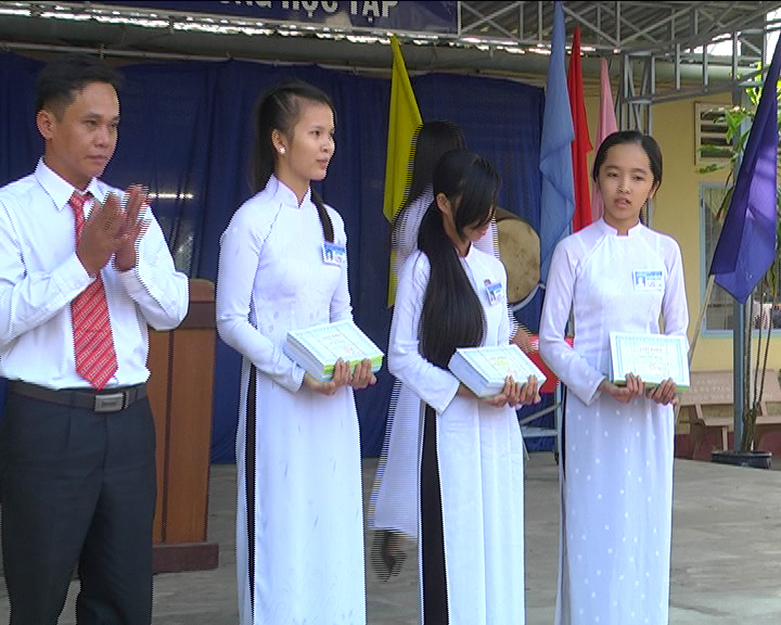 Trường THPT Nguyễn Việt Khái sơ kết học kỳ I năm học 2014 - 2015