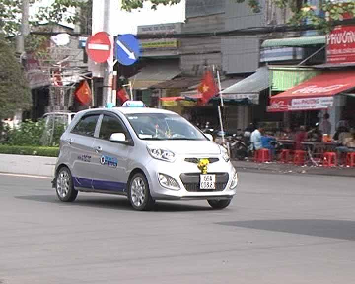Kiến nghị hoãn xử phạt xe taxi thiếu thiết bị giám sát hành trình