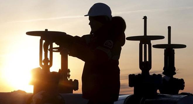 IEA: Thị trường dầu mỏ cân bằng hơn vào cuối năm