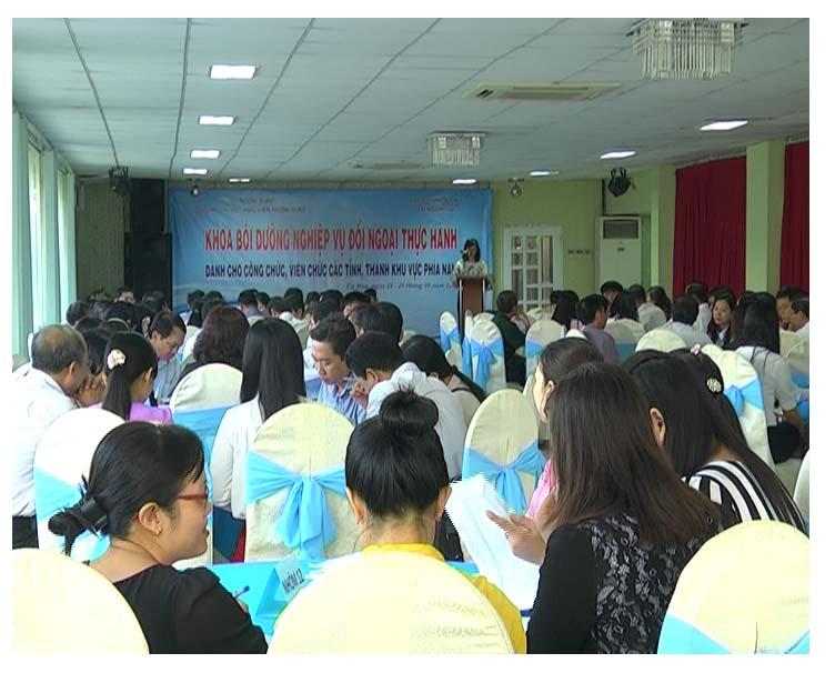 Hội nghị tập huấn lớp nghiệp vụ đối ngoại thực hành năm 2016