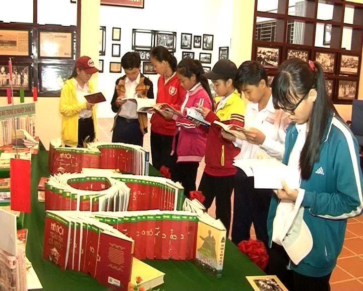 Triển lãm cuộc đời và sự nghiệp Chủ tịch Hồ Chí Minh