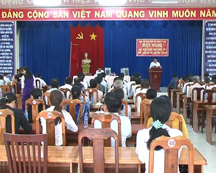 Đại biểu Quốc hội tỉnh Cà Mau tiếp xúc cử tri tại xã Tân Thành và phường 1, thành phố Cà Mau