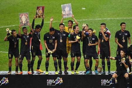 Bóng đá SEA Games: Thái Lan lập tiếp hattrick vàng