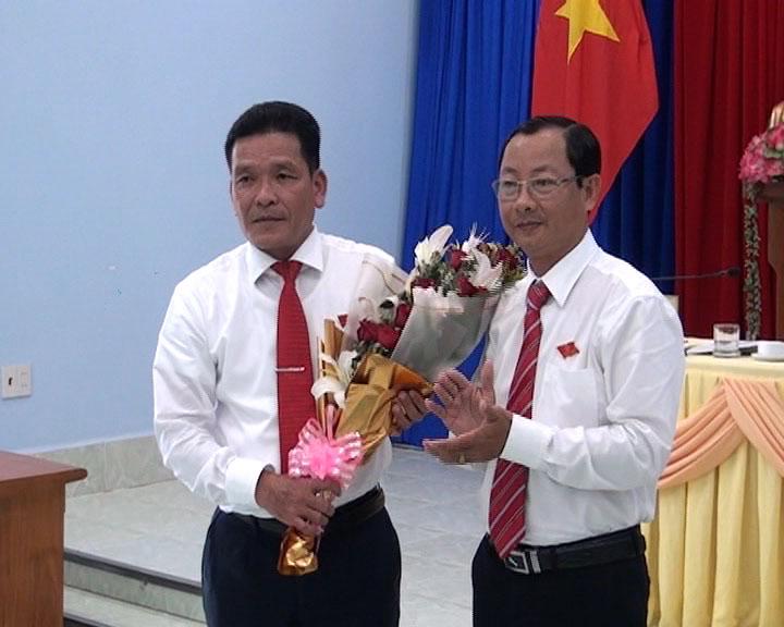 HĐND huyện Trần Văn Thời tổ chức kỳ họp bất thường