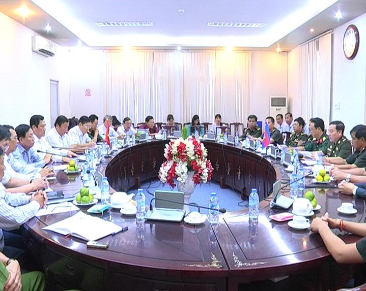 Lãnh đạo tỉnh Cà Mau tiếp Đoàn công tác Cục Phát triển, Bộ Quốc phòng, Vương quốc Campuchia