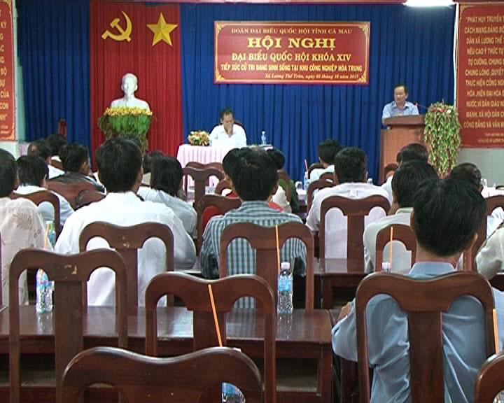 Đoàn đại biểu Quốc hội tiếp xúc cử tri huyện Cái Nước