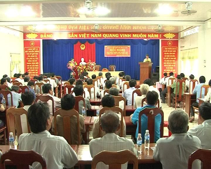 Đoàn đại biểu Quốc hội tiếp xúc cử tri huyện Phú Tân