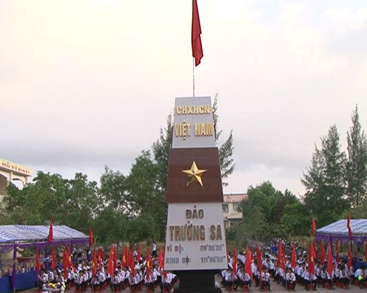 Huyện Ngọc Hiển khánh thành công trình mô hình cột mốc Trường Sa
