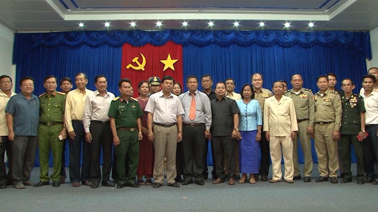 Chủ tịch UBND tỉnh Cà Mau tiếp Đoàn chúc Tết tỉnh Koh Kong Campuchia