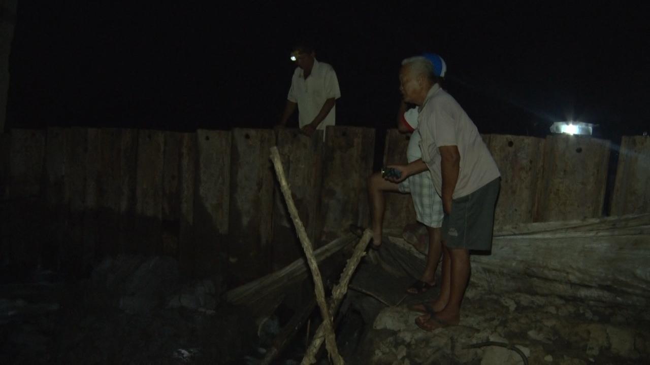 Huyện Năm Căn: vỡ đê làm ảnh hưởng đến 26 hộ dân