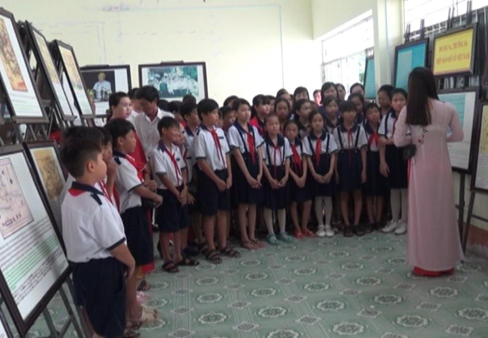 """Triển lãm """"Hoàng Sa, Trường Sa của Việt Nam"""""""