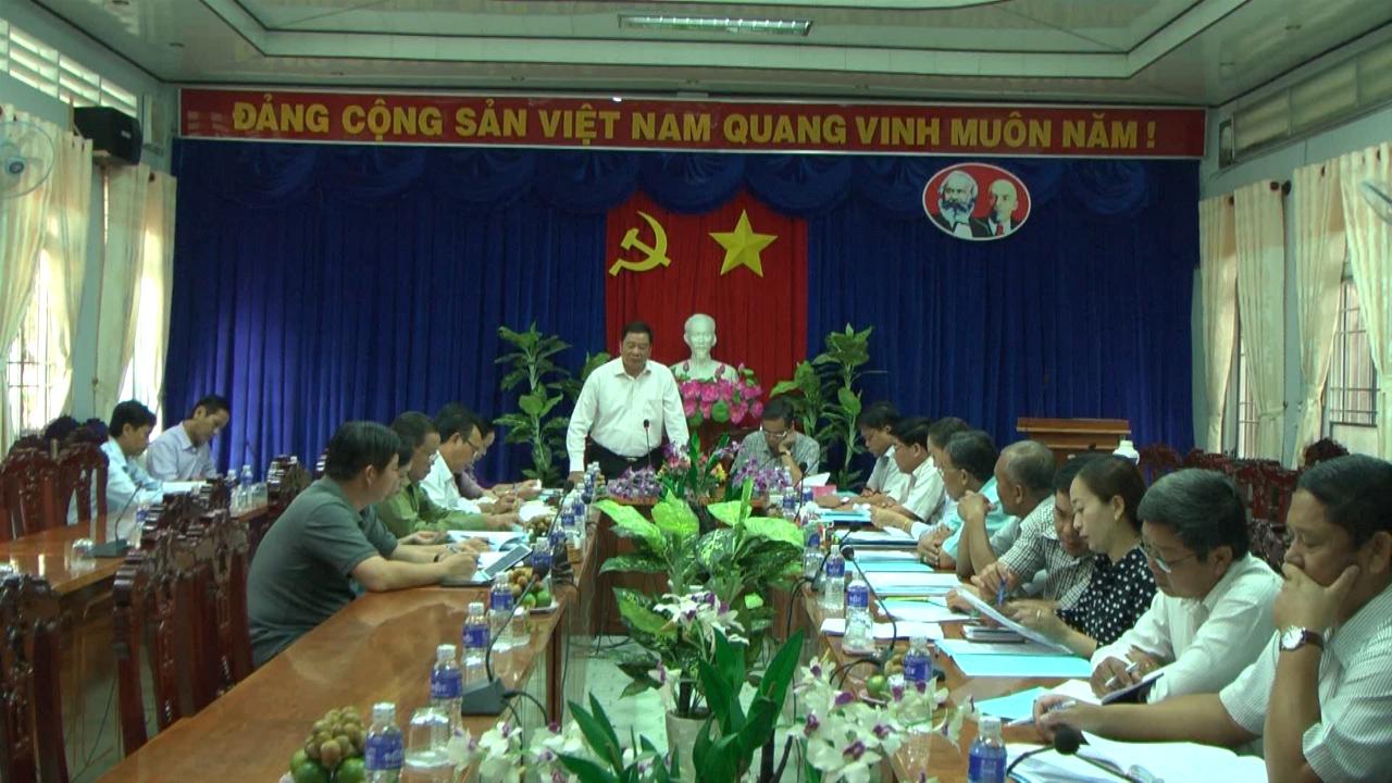Đoàn khảo sát 512 làm việc với Huyện ủy Năm Căn