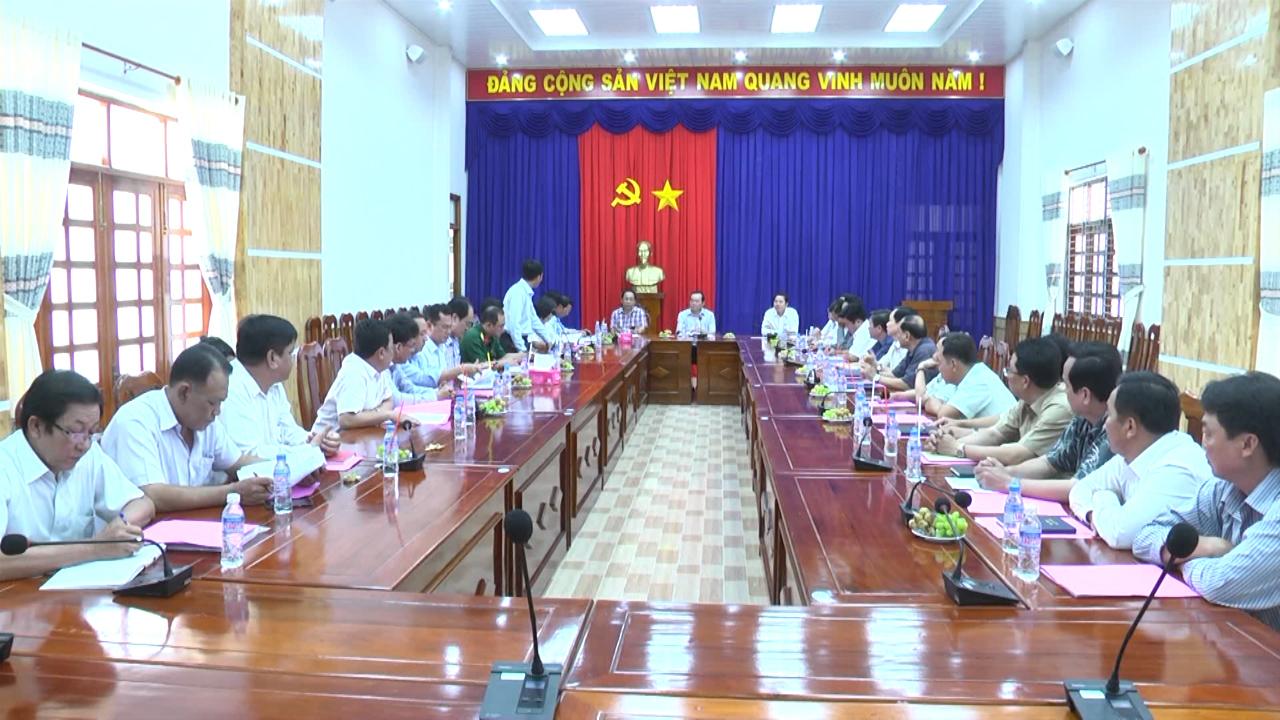 Phó Bí thư Thường trực Tỉnh ủy Cà Mau Phạm Bạch Đằng làm việc tại huyện Phú Tân