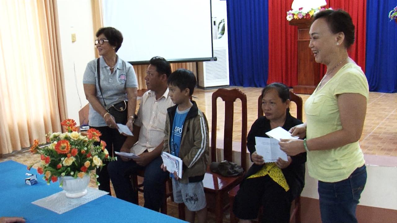 Hội Từ thiện Tự nguyện tỉnh Cà Mau hỗ trợ 3 hoàn cảnh khó khăn