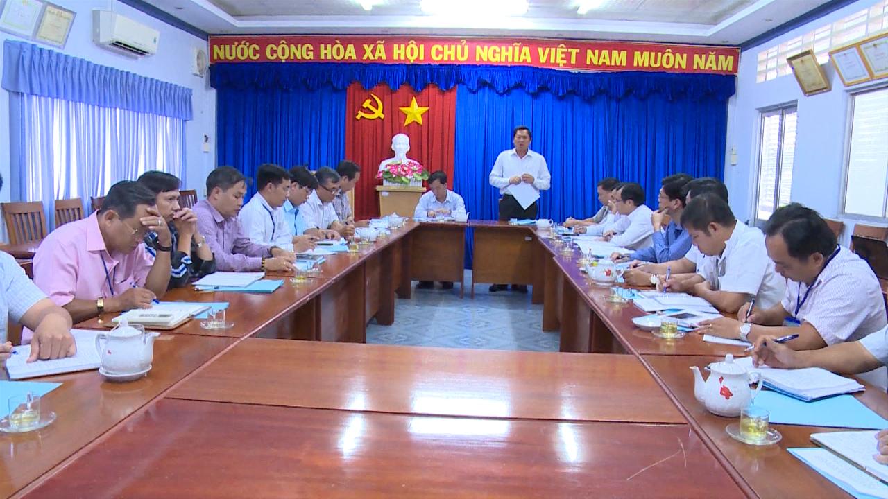 Phó Chủ tịch UBND tỉnh Cà Mau Lâm Văn Bi làm việc với Sở Kế hoạch và Đầu tư