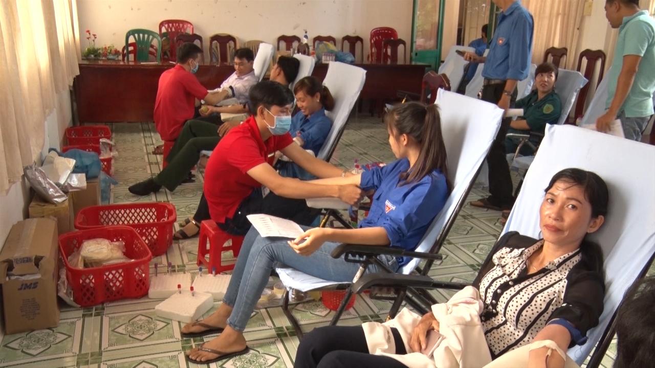 Huyện Trần Văn Thời tổ chức ngày hội hiến máu tình nguyện lần 2 năm 2018