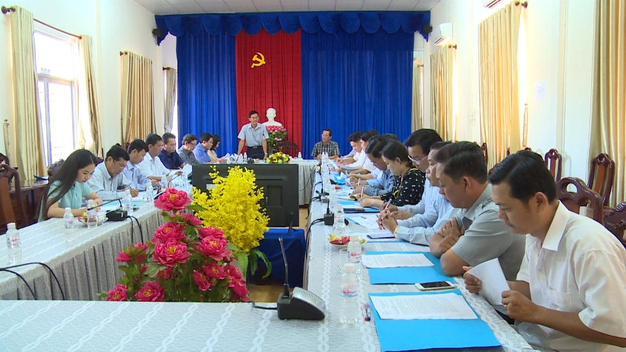 Giám sát thực hiện các dự án đất đai huyện Năm Căn