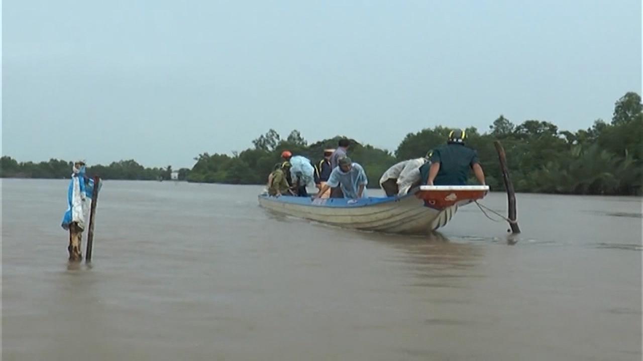 243 hộ tự tháo dỡ chướng ngại vật trên sông