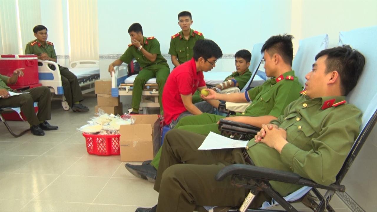 Đoàn Thanh niên Công an tỉnh Cà Mau tổ chức hiến máu tình nguyện