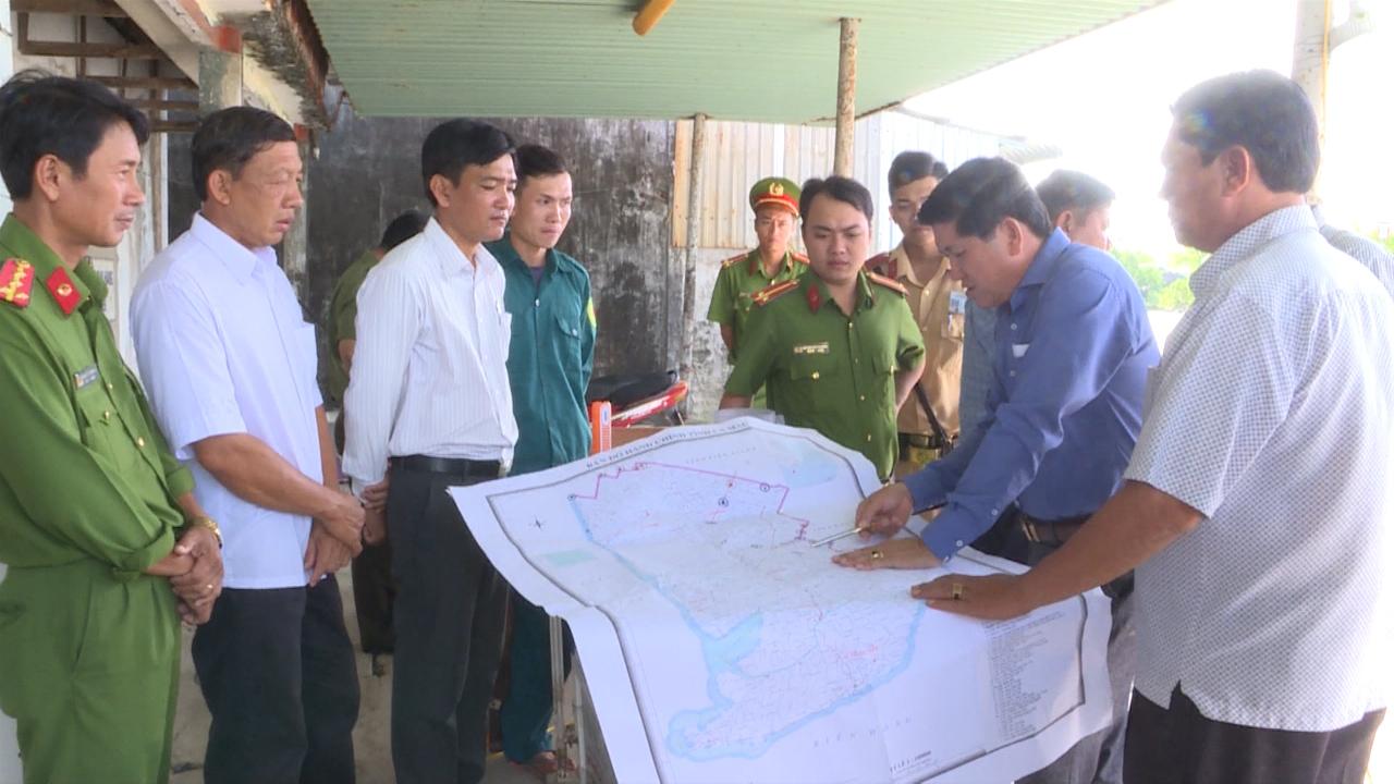 Phó Chủ tịch UBND tỉnh Cà Mau Lê Văn Sử kiểm tra công tác phòng, chống dịch tả lợn châu Phi