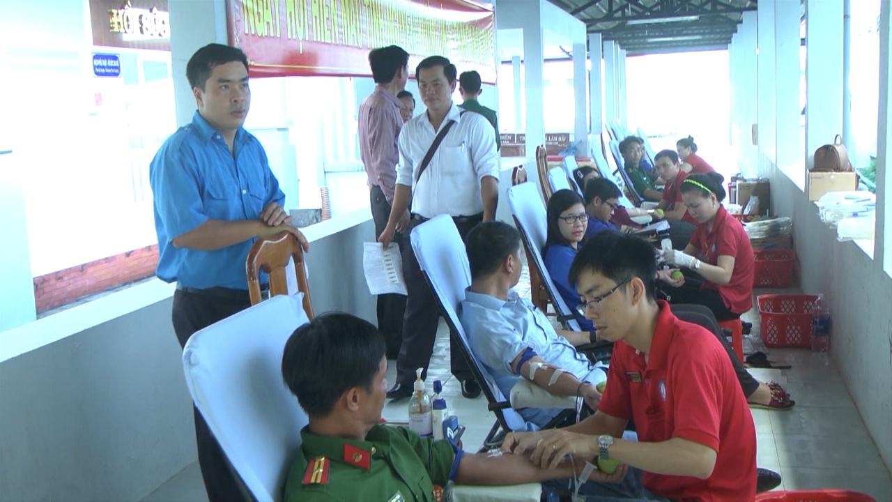 Huyện Năm Căn tổ chức hiến máu tình nguyện