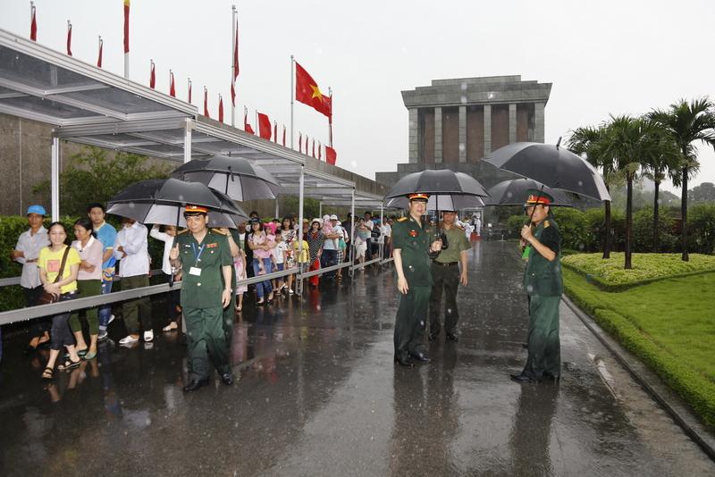 Hơn 45.000 lượt khách vào Lăng viếng Chủ tịch Hồ Chí Minh