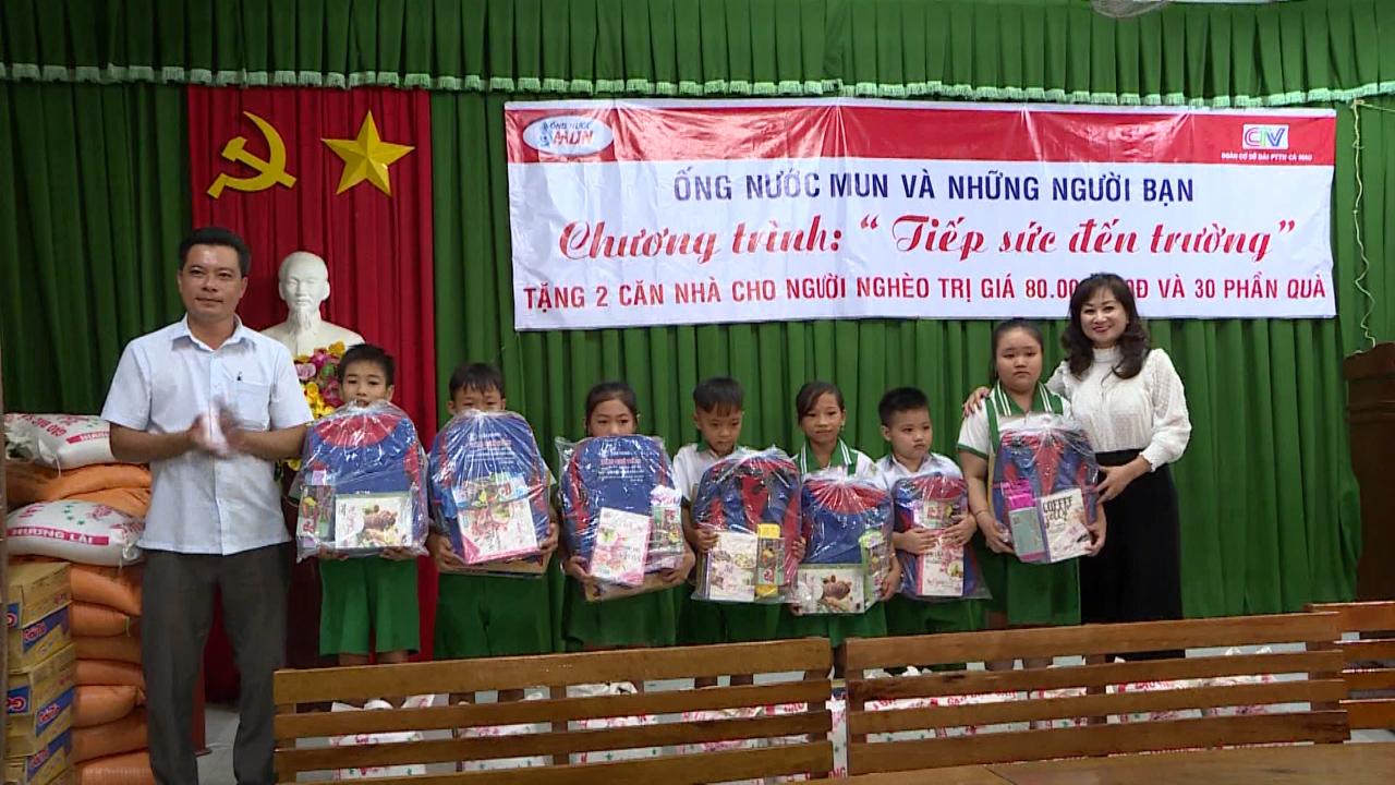 Hỗ trợ người dân và học sinh nghèo vùng thiên tai