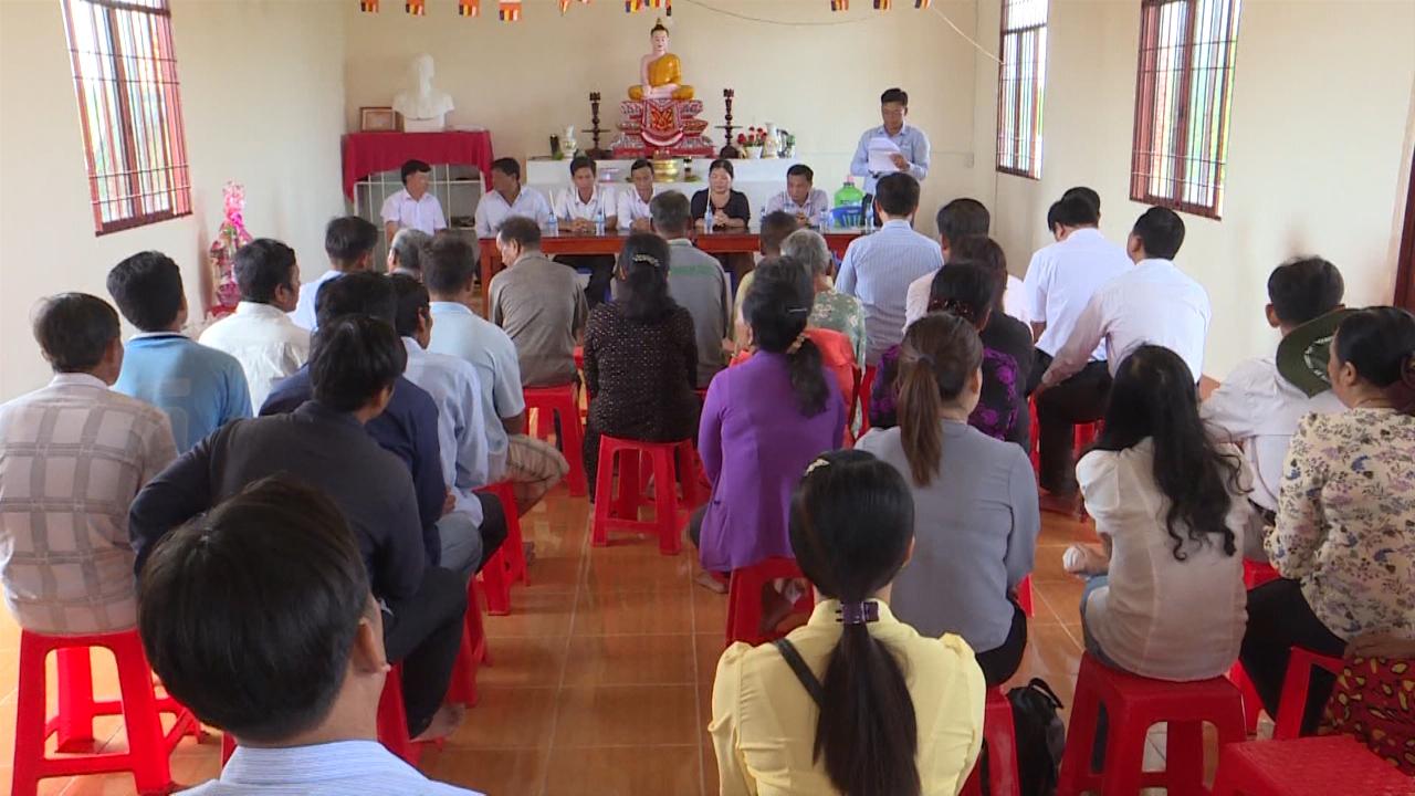 Họp mặt, tặng quà đồng bào dân tộc Khmer dịp lễ Sene Dolta tại huyện Cái Nước và Phú Tân