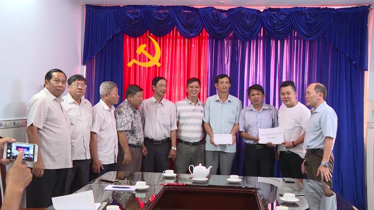 Hội Khuyến học tỉnh Cà Mau nhận hỗ trợ học bổng