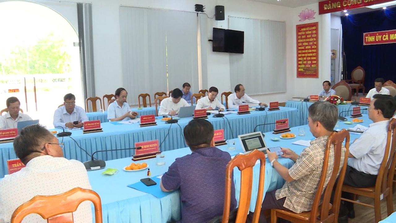 Sớm đưa ra giải pháp hỗ trợ tỉnh Cà Mau khắc phục sụt lún do hạn hán